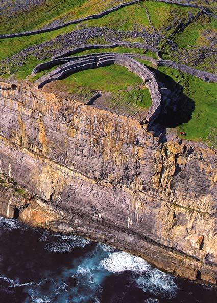 DunAengusFort_Aran_Cliffs