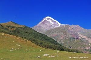 Kazbeg, najwyższa góra Gruzji - 5033 m.n.p.m