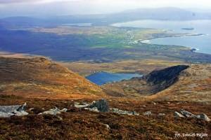 Widok w stronę Dooagh, Keel i Klifów Minaun.