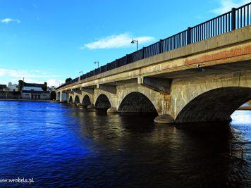 Kamienny most w Lanesborough. Data budowy - 1706 rok...